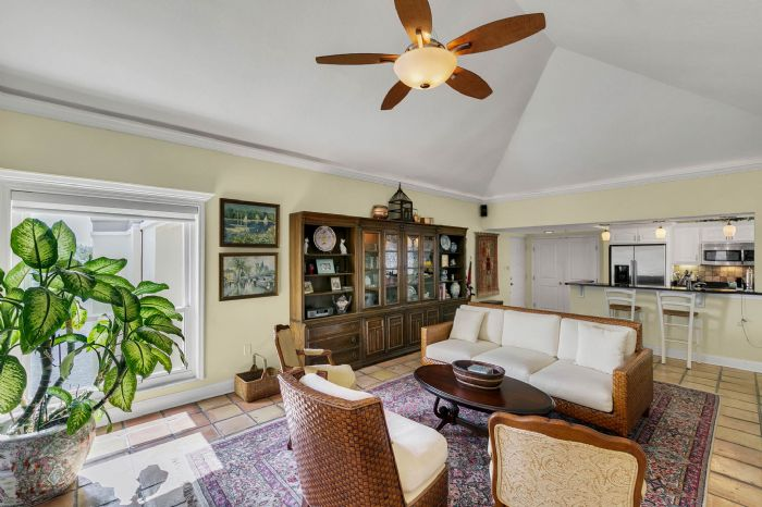 206-quayside-cir--ph--601--maitland--fl-32751---06---family-room.jpg