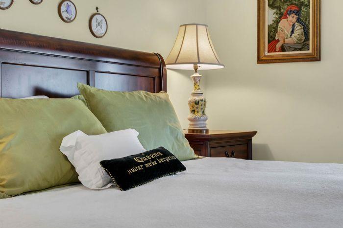 206-quayside-cir--ph--601--maitland--fl-32751---17---master-bedroom.jpg