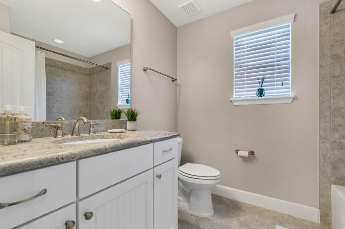 1141-w-princeton-st--orlando--fl-32804----28---bathroom.jpg