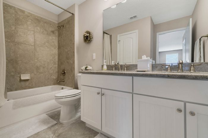1141-w-princeton-st--orlando--fl-32804----30---bathroom.jpg