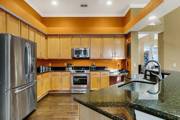 3518-kilmarnock-dr--apopka--fl-32712---12---kitchen.jpg