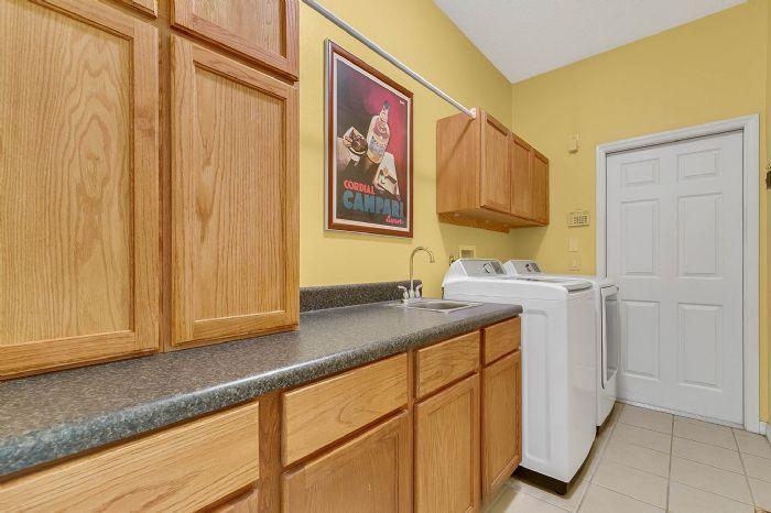 3518-kilmarnock-dr--apopka--fl-32712---26---laundry-room.jpg