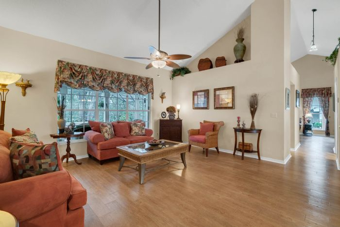 768-woodcraft-dr--apopka--fl-32712----11---living-room.jpg