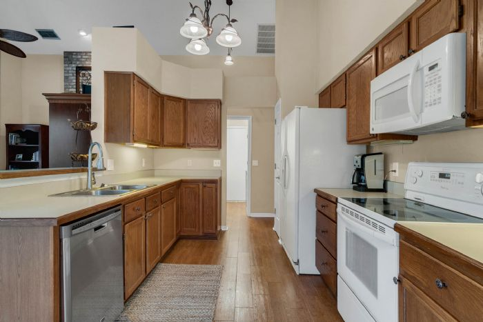768-woodcraft-dr--apopka--fl-32712----17---kitchen.jpg