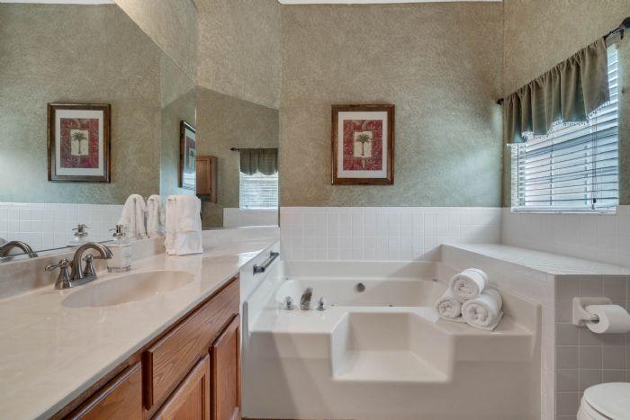 768-woodcraft-dr--apopka--fl-32712----21---master-bathroom.jpg