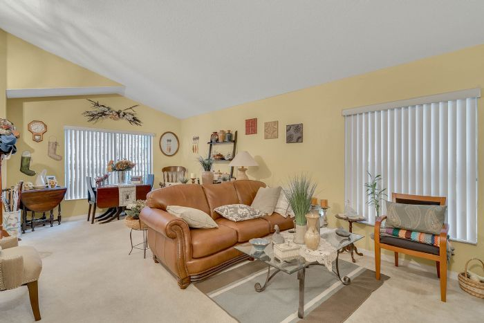 920-stanvoy-st--apopka--fl-32712----04---living-room.jpg