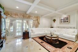 617-E-Club-Cir--Longwood--FL-32779----21---Family-Room.jpg