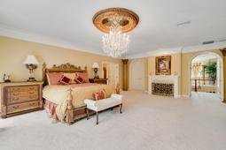 617-E-Club-Cir--Longwood--FL-32779----28---Master-Bedroom.jpg