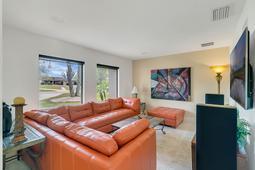 8949-Royal-Birkdale-Ln--Orlando--FL-32819----07---Living.jpg