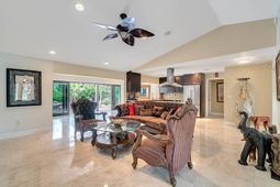 8949-Royal-Birkdale-Ln--Orlando--FL-32819----11---Family-Room.jpg