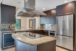 8949-Royal-Birkdale-Ln--Orlando--FL-32819----19---Kitchen.jpg