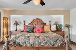 8949-Royal-Birkdale-Ln--Orlando--FL-32819----22---Master-Bedroom.jpg