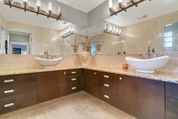 8949-Royal-Birkdale-Ln--Orlando--FL-32819----25---Master-Bathroom.jpg