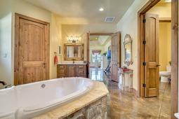180-E-State-Road-46--Geneva--FL-32732----21---Master-Bathroom.jpg
