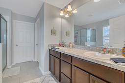 10210-Lenox-St--Clermont--FL-34711----15---Master-Bathroom.jpg