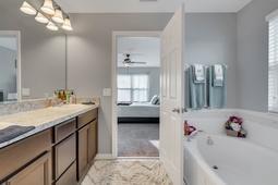 10210-Lenox-St--Clermont--FL-34711----16---Master-Bathroom.jpg
