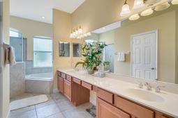 13036-Lake-Roper-Ct--Windermere--FL-34786-115----29---Master-Bathroom.jpg