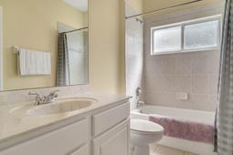 13036-Lake-Roper-Ct--Windermere--FL-34786-115----37---Bathroom.jpg
