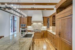 9801-Laurel-Valley-Dr--Windermere--FL-34786----18---Kitchen.jpg