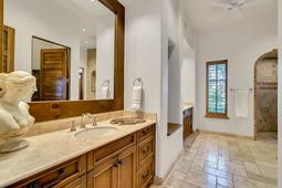 9801-Laurel-Valley-Dr--Windermere--FL-34786----24---Master-Bathroom.jpg