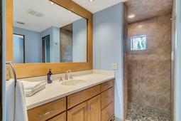 9801-Laurel-Valley-Dr--Windermere--FL-34786----29---bathroom.jpg