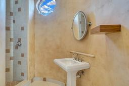 9801-Laurel-Valley-Dr--Windermere--FL-34786----31---Bathroom.jpg