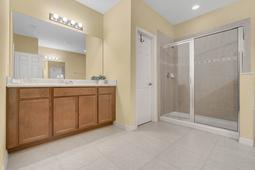 1434-Vivaldi-Pl--Longwood--FL-32779----27---Master-Bathroom.jpg