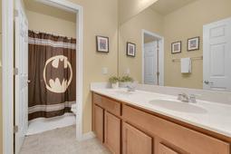 1434-Vivaldi-Pl--Longwood--FL-32779----37---Bathroom.jpg