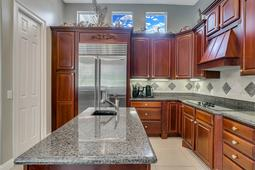 9018-Southern-Breeze-Dr--Orlando--FL-32836----16---Kitchen.jpg