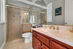 9018-Southern-Breeze-Dr--Orlando--FL-32836----33---Bathroom.jpg