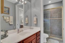 9018-Southern-Breeze-Dr--Orlando--FL-32836----36---Bathroom.jpg