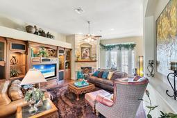 Interior-14---Family-Room---665-Majestic-Oak-Dr--Apopka--FL-32712.jpg