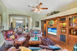 Interior-16---Family-Room---665-Majestic-Oak-Dr--Apopka--FL-32712.jpg