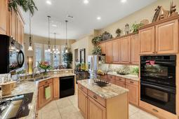 Interior-18---Kitchen---665-Majestic-Oak-Dr--Apopka--FL-32712.jpg