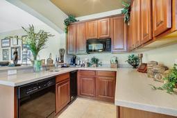 Interior-31---Basement-Kitchen---665-Majestic-Oak-Dr--Apopka--FL-32712.jpg