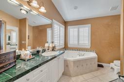 1950-Lost-Spring-Ct--Longwood--FL-32779----05---Master-Bathroom.jpg