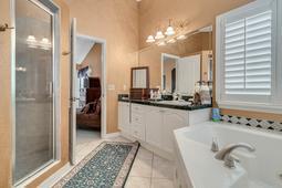 1950-Lost-Spring-Ct--Longwood--FL-32779----06---Master-Bathroom.jpg