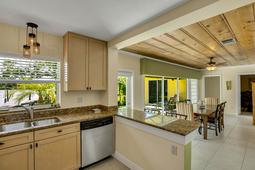 18-Spanish-Main-St.-Tampa--FL-33609---23--Kitchen-1---4-copy.jpg
