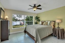 18-Spanish-Main-St.-Tampa--FL-33609---25--Owner-s-Suite-1---1.jpg
