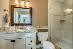 18-Spanish-Main-St.-Tampa--FL-33609---29--Owner-Bath.jpg