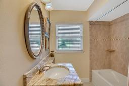 18-Spanish-Main-St.-Tampa--FL-33609---36--Main-Bath.jpg