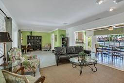18-Spanish-Main-St.-Tampa--FL-33609---37--Living-Area-1.jpg