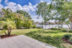 18-Spanish-Main-St.-Tampa--FL-33609---47--Patio-View.jpg