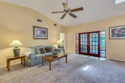1056-Abell-Cir--Oviedo--FL-32765----08---Family-Room.jpg