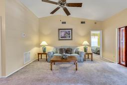 1056-Abell-Cir--Oviedo--FL-32765----09---Family-Room.jpg