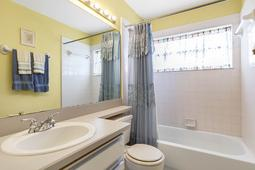 1056-Abell-Cir--Oviedo--FL-32765----20---Bathroom.jpg