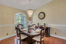612-56th-Ave.-S--St.-Petersburg--FL-33705--06--Dining-Room-2.jpg