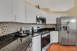 612-56th-Ave.-S--St.-Petersburg--FL-33705--08--Kitchen-2.jpg