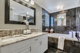 612-56th-Ave.-S--St.-Petersburg--FL-33705--18--Owner-s-Bath-1.jpg