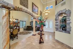 8537-Cypress-Hollow-Ct--Sanford--FL-32771----07---Foyer.jpg
